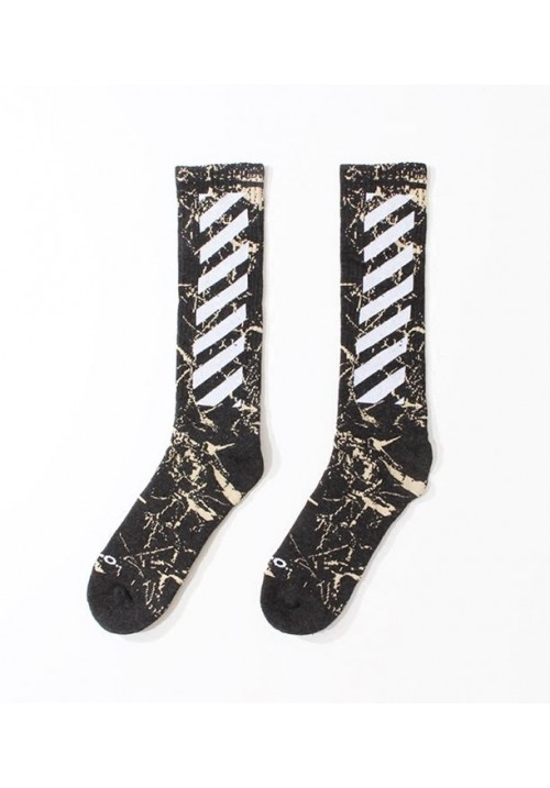 Off White Diagonal Marble Stripe Socks (Gray)