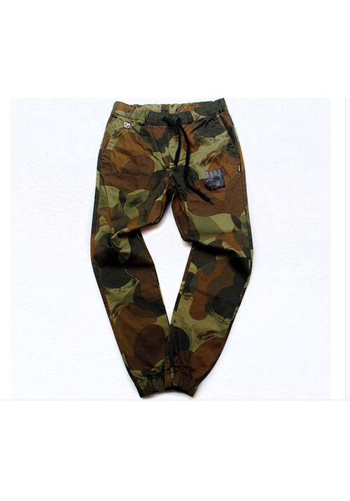 Undefeated 5 Strike Camo Jogging Pants (green/brown/back)